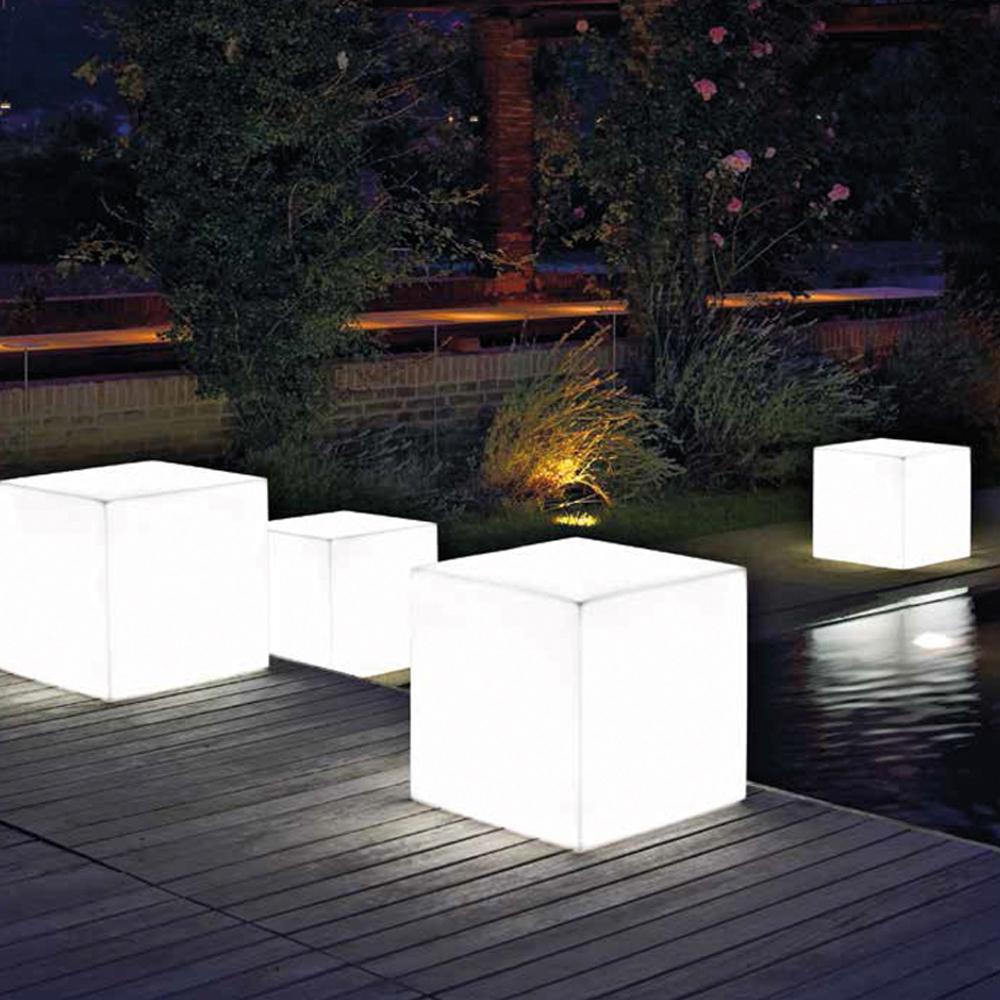 Pareti soggiorno ambiente for Illuminazione da esterno